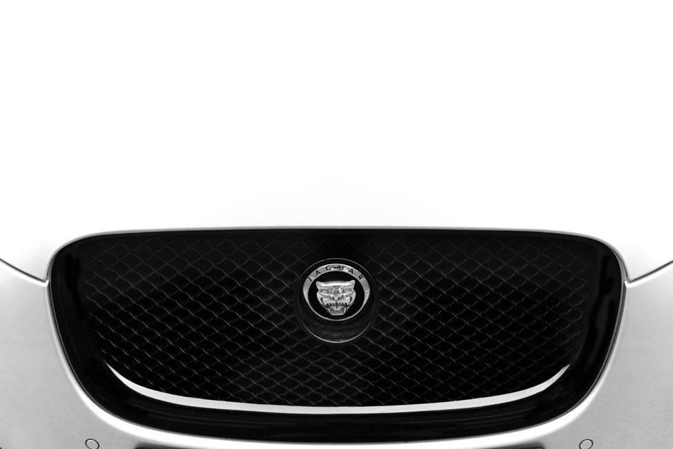 Jaguar XF sportbrake grill