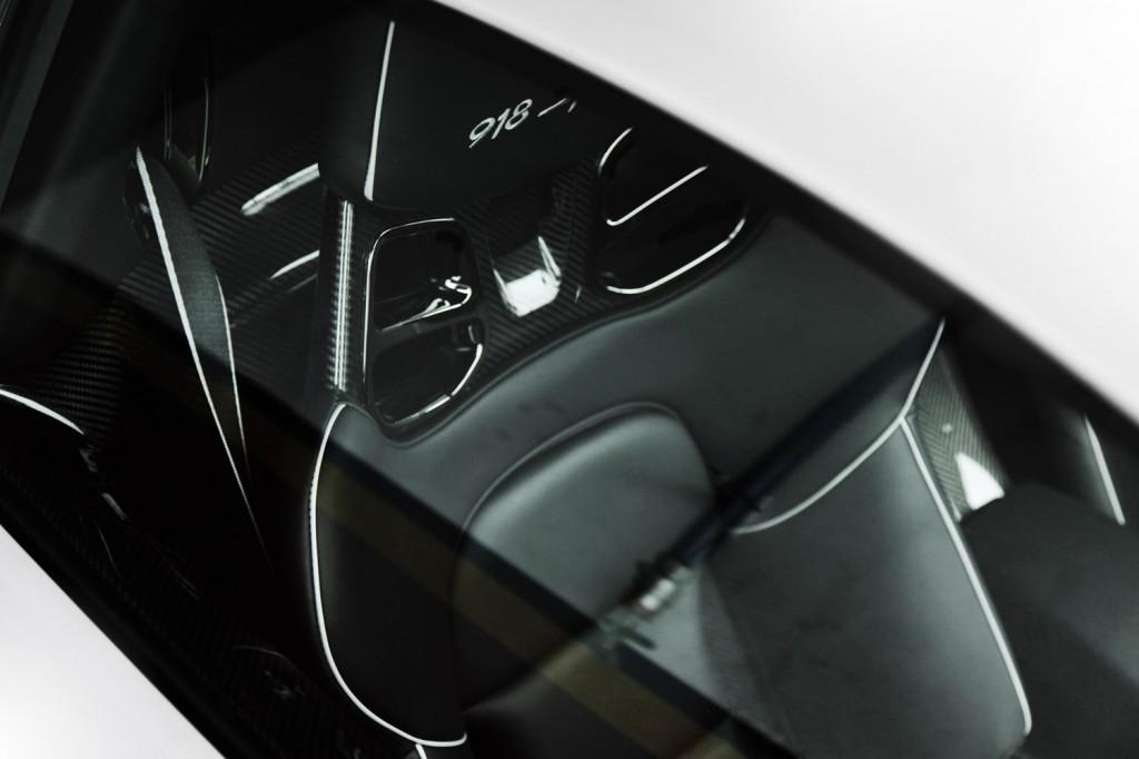 Porsche 918 spyder detail