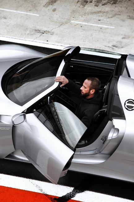 Porsche 918 spyder model