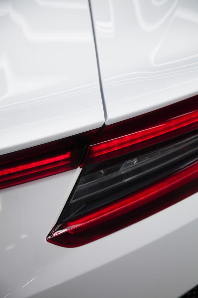 Acura NSX white rear