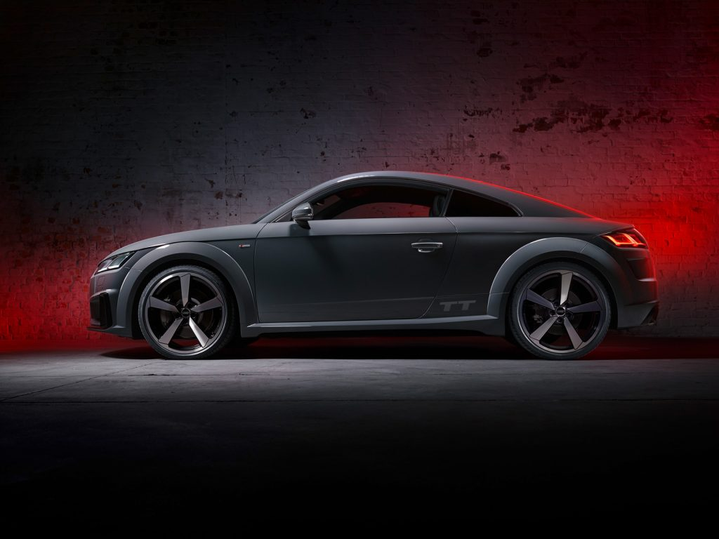 AUDI TT side profile