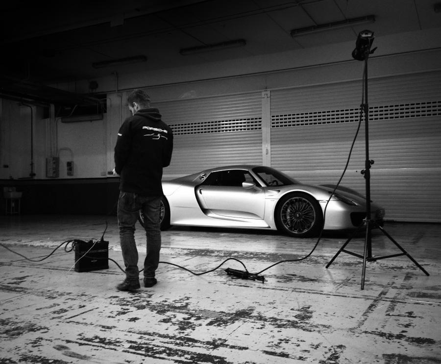 Porsche 918 behind the scenes