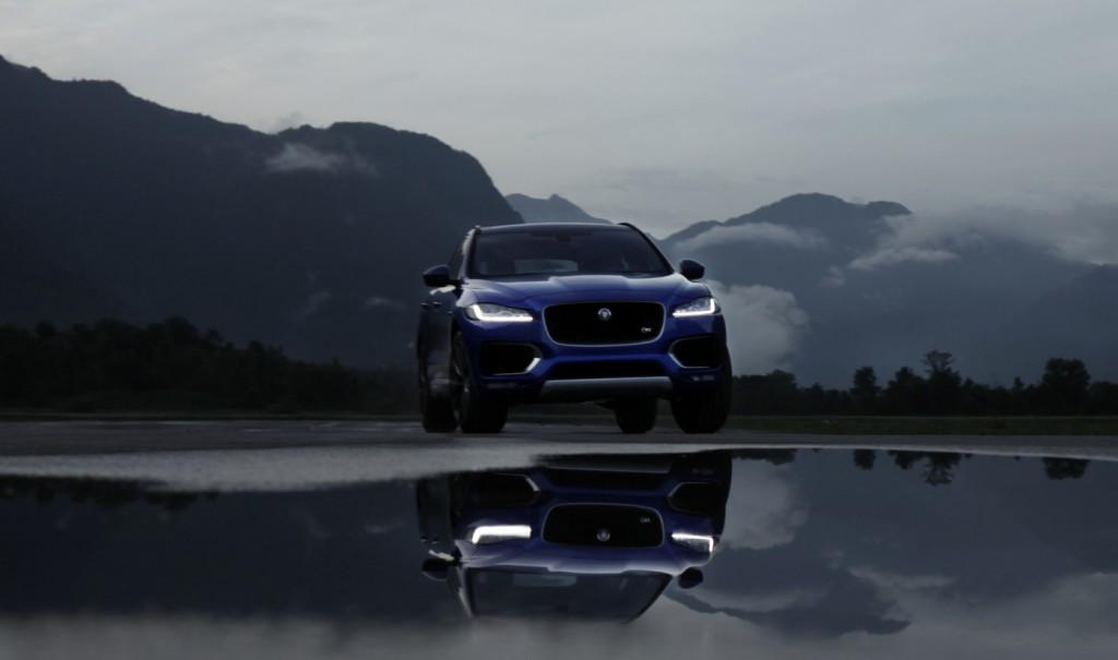 Jaguar F-pace action