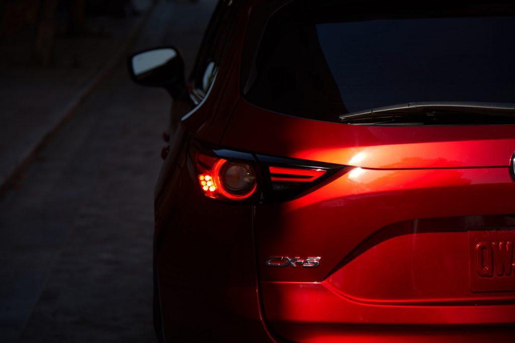 CX5 exterior tail light